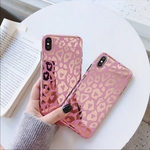 Pink Mirrored Leopard print iPhone case😍